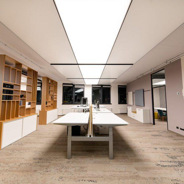 Referenz: sblum GmbH Frontansicht Perspektive Arbeitsplätze
