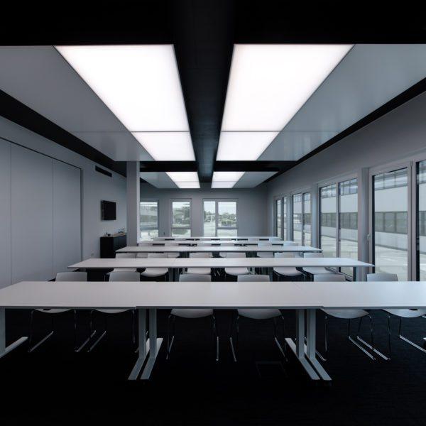 180228 1438 interpanel wahlgruppe freigestellte Fenster Licht innen 600x600 - wahl gruppe reutlingen GmbH & Co. KG