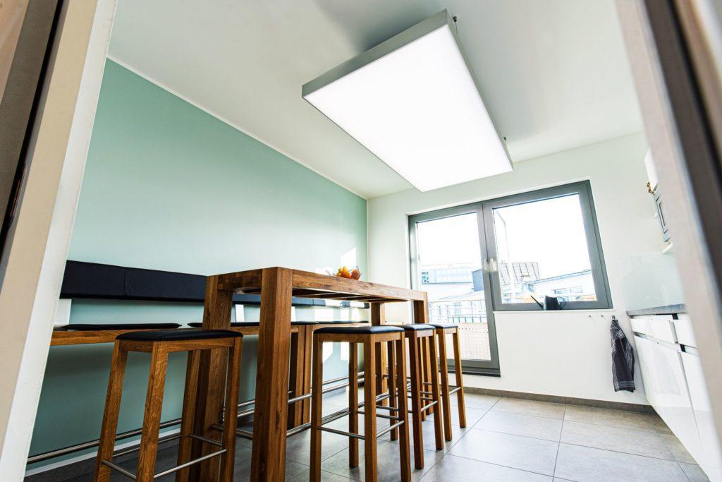 ABW Architekten - Heiz-Kühldecke mit circadianem Licht und Akustik