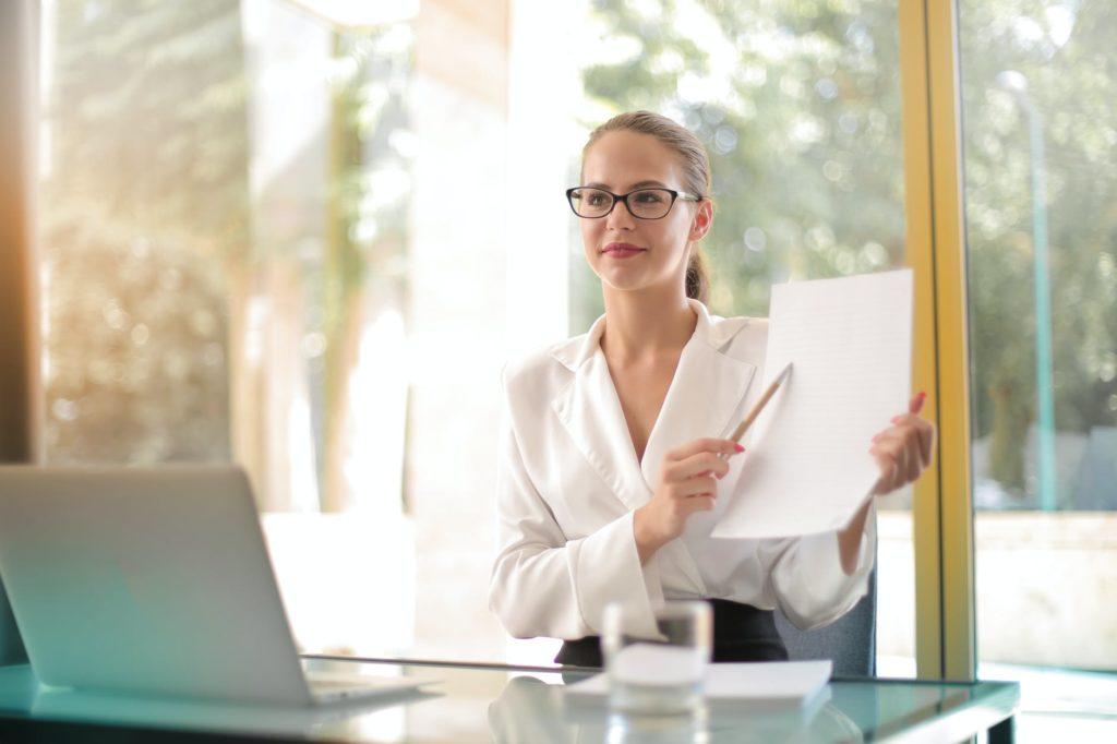 Produktiv ohne Hitze im Buero 1024x682 - Arbeitsschutz: 10 Maßnahmen für einen kühlen Kopf bei Hitze im Büro